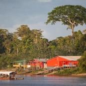 Albina 2 en face de Maripasoula - Guyane - Suriname