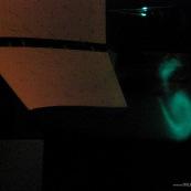 Essai de drone dans une soufflerie à Toulouse (Soufflerie S4). Configuration innovante d'aile. test aérodynamique, mesure des coefficients de mécanique du vol. Visualisation des tournillons marginaux en bout d'aile avec un faisceau laser et de la fumée.