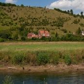 Coteaux de l'Aa en arriËre plan : surnommÈ Ègalement Mont du GÈant. L'Aa est au premier plan. PrÈsence de Canards colvert.