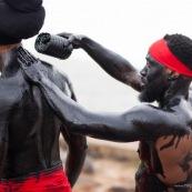 Carnaval de Guyane. Parade de Cayenne. Deguisement. Touloulou. Masques. Costumes. Marionnettes. Diables rouges. Noir marron. Neg marron. Balayseuses.