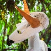 Carnaval en Guyane. Petite séance photos avant la parade du littoral de Kourou, dans les coulisses de la troupe Siliko qui prépare activement ce carnaval 2016. Chaque semaine, ils construisent de nouveaux costumes.  Les petites mains s'activent de tous les cotés pour la fabrication d'immenses marionnettes sur le thèmes des animaux. Mouton paresseux, Iguane, Jaguar, Caniche, Zébu…
