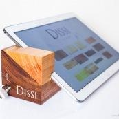 Meuble en bois massif de Guyane de marque DISSI. Support de tablette.