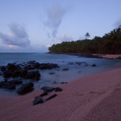 Guyane. Iles du salut. Sur l'ile saint joseph. Plage le matin au lever du jour.