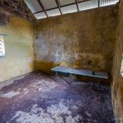 Guyane. Vestiges du bagne. Iles du salut. Ile du diable : vue sur la maison cellule prison ayant heberge Alfred Dreyfus.  Vestiges.  Interieur et exterieur.