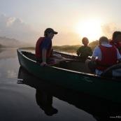 Marais de Kaw en Guyane au leve du soleil. En canoe et en kayaks. Enfants, famille.