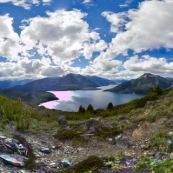 Parque Nacional Los Alerces ( parc national ) en Argentine (patagonie) montagnes et lac dans le parc national.
