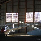 Aeroclub de la montagne noire. Hangar de rangement des planeurs. Vol a voile.  Aeroclub. Aerodrome.