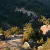 Tentes en montagne, au leve du soleil. Bivouac. L'hiver en Chine. Randonnee, trek. Camping